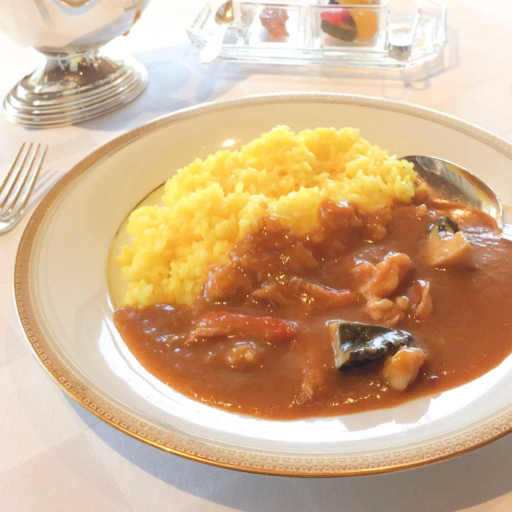 伊勢海老などをふんだんに使った海の幸フランス料理ラメールザクラシックの海の幸カレー