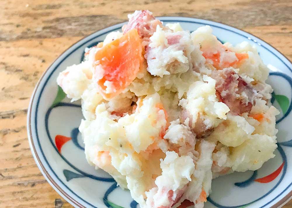カリカリベーコン入りのジャーマンポテト風ポテトサラダ